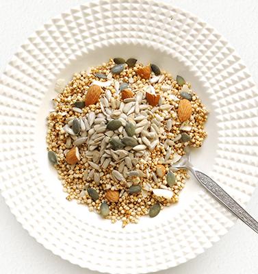 人気のグラノーラの置き換えダイエットで健康も頂けるのか検証